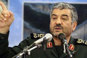 سرلشکر محمدعلی جعفری، فرمانده کل سپاه پاسداران: بنیصدر با دیدگاه لیبرالی ابتدای جنگ فقط حرف از مذاکره با دشمن میزد/ نفوذیها در سیستم اداری کشور، برای مردم مشکل ایجاد میکنند
