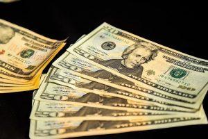 تکاپوی دلالها در فضای مجازی برای افزایش کاذب قیمت دلار