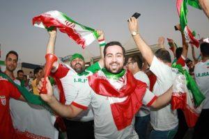 حضور گسترده عمانیها و کری ایرانی ها/ محبوبیت جهانبخش بین تماشاگران