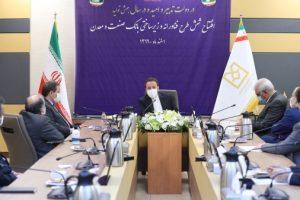 اعلام انصراف آمریکا از تلاش برای فعال کردن مکانیسم ماشه به معنی شکست جنگ اقتصادی و فشار حداکثری و حقانیت ملت ایران است