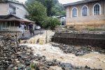 جاری شدن سیل در منطقه اشکورات رودسر،۴ نفر جان باختند