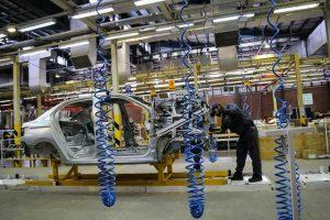 هفتاد درصد خودروسازی خصوصی تعطیل شد